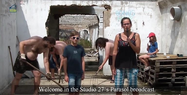 Studio 27 - Slunečník 4. díl - Bonus Help - s anglickými titulky