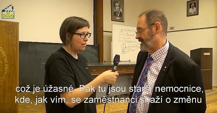 Studio 27 - David Crompton - rozhovor - cz titulky